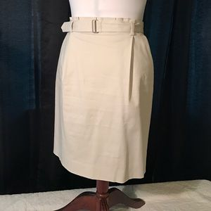 Pleated waist band pencil skirt with belt